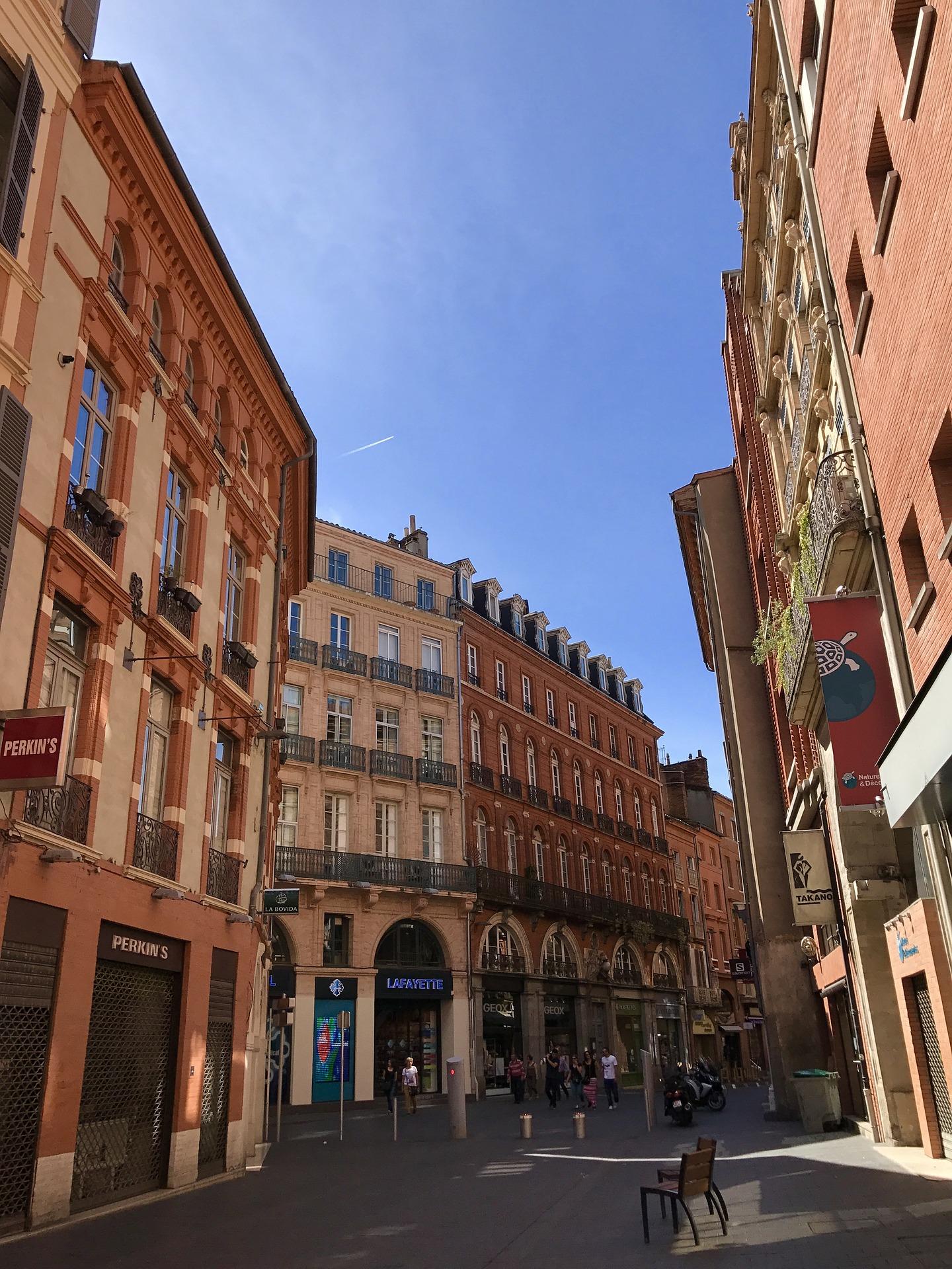Rue dans le centre de la ville de Toulouse