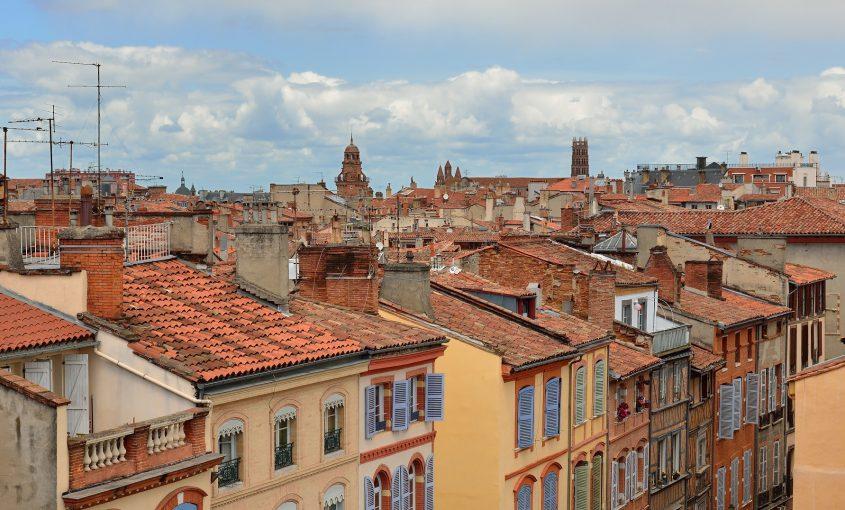 Les toits de la ville de Toulouse